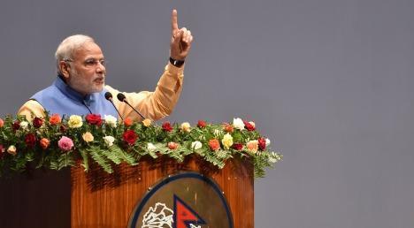 नरेंद्र मोदी का नेपाल में भव्य स्वागत, तोपों से सलामी दी गई