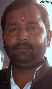 आंवना लोकसभा क्षेत्र से बसपा प्रत्याशी सुनीता शाक्य के पति बसपा विधायक सिनोद कुमार शाक्य।