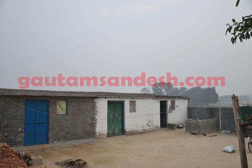 बदायूं जिले के गाँव उलैया स्थित ससुराल में पसरा सन्नाटा।