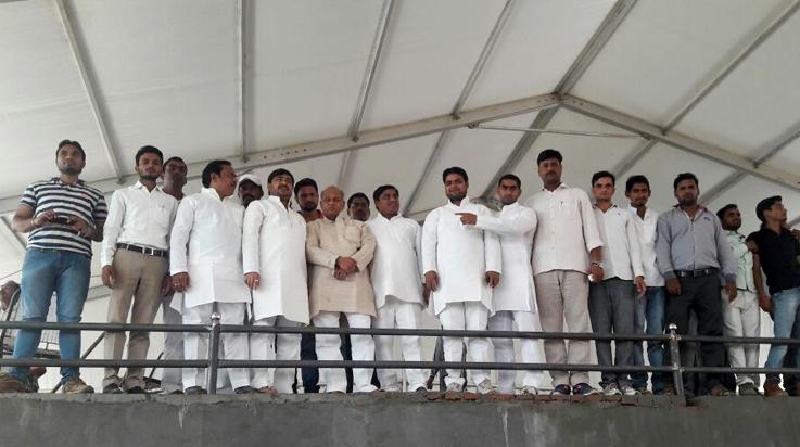 लोहिया वाहिनी के प्रदेश अध्यक्ष प्रदीप तिवारी जिलाध्यक्ष चौ. नरोत्तम सिंह व अन्य सभी प्रकोष्ठों के जिलाध्यक्षों के साथ रैली स्थल पर तैयारियों का जायजा लेते हुए।